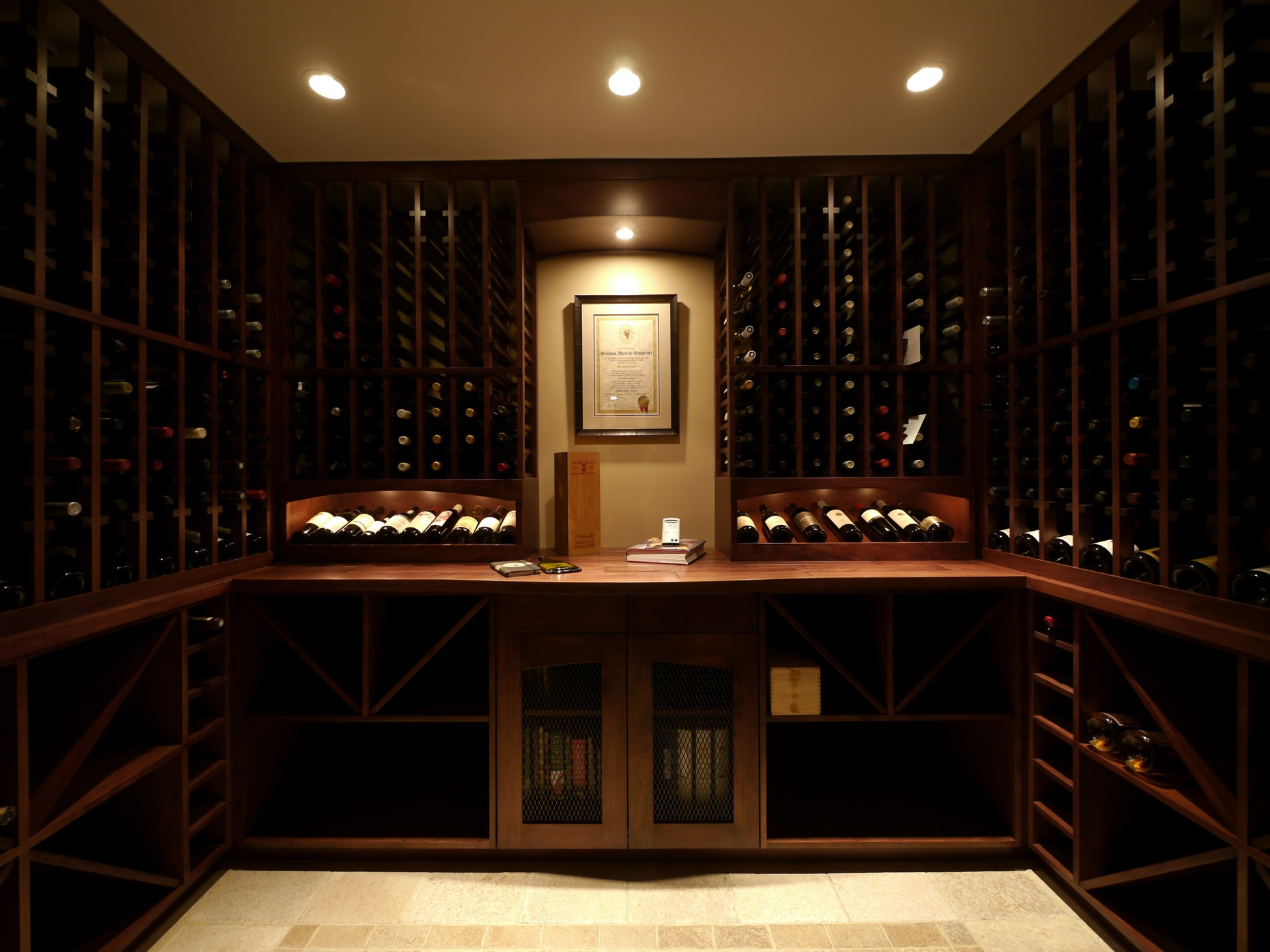 Dark Wood Wine Cellar Middle Frame